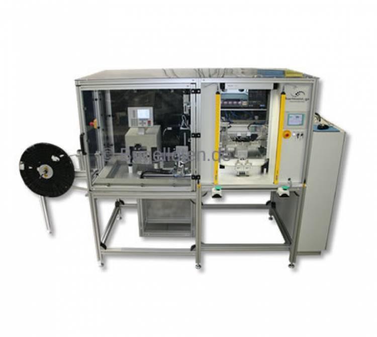 Bügellötautomat mit automatischer Kabelzuführung