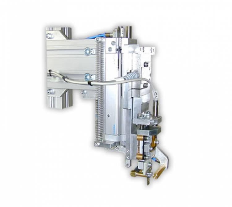 Bügellötsystem mit Arbeitsstationen in Inlineausführung