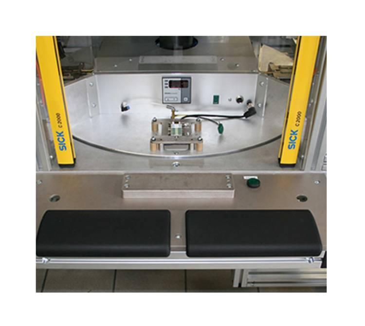 Kundenspezifisches Handlings und Bügellötsystem  mit einem 4-fach Drehteller